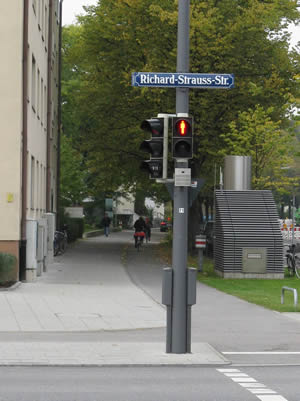 Richard-Strauss-Str.